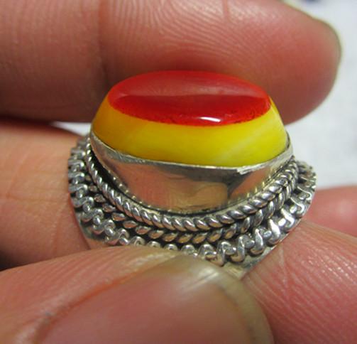 玳瑁挂件12月28日☆☆☆   鸟头戒指,俗称鹤顶红, 此主题相关图片如下