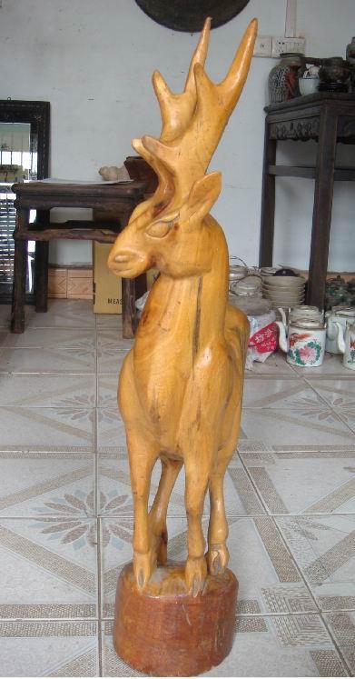 → 黄木雕动物