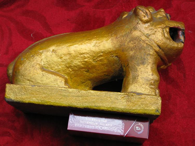 砖雕---石雕刻漆金狮子=玉石项链
